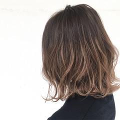 ストリート 色気 小顔 ハイライト ヘアスタイルや髪型の写真・画像