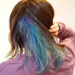 デザインカラー セミロング ブルー ストリート ヘアスタイルや髪型の写真・画像
