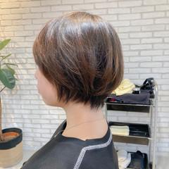 レイヤーヘアー 大人ミディアム ストレート ボブヘアー ヘアスタイルや髪型の写真・画像