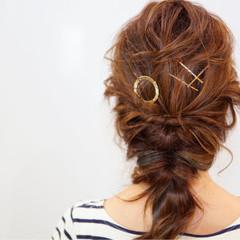 ヘアアクセ ショート 簡単ヘアアレンジ フェミニン ヘアスタイルや髪型の写真・画像
