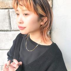 ミディアム マッシュウルフ インナーカラー ストリート ヘアスタイルや髪型の写真・画像