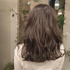 ミディアム ナチュラル 無造作 ロブ ヘアスタイルや髪型の写真・画像