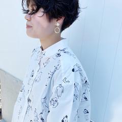 ハンサムショート ショートパーマ ナチュラル ショートカット ヘアスタイルや髪型の写真・画像