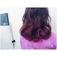 セミロング ピンク パープル ストリート ヘアスタイルや髪型の写真・画像