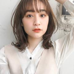 デジタルパーマ エレガント 韓国ヘア セミロング ヘアスタイルや髪型の写真・画像