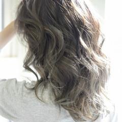 アッシュ ハイライト ローライト ストリート ヘアスタイルや髪型の写真・画像
