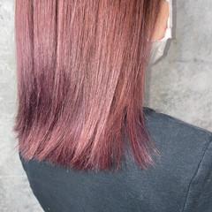 パープルアッシュ ミディアム ラベンダーピンク 切りっぱなしボブ ヘアスタイルや髪型の写真・画像