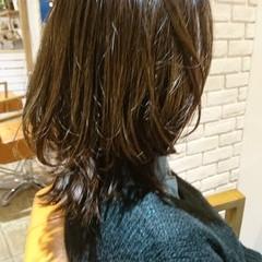 外ハネ ロブ ミディアム レイヤーカット ヘアスタイルや髪型の写真・画像