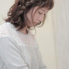ナチュラル アッシュ 三つ編み ヘアアレンジ ヘアスタイルや髪型の写真・画像