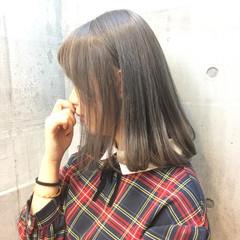 外国人風カラー ボブ シルバーアッシュ シルバー ヘアスタイルや髪型の写真・画像