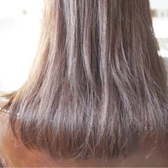 グレージュ 白髪染め ロング アッシュグレージュ ヘアスタイルや髪型の写真・画像