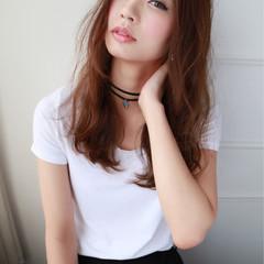 外国人風 アッシュ ゆるふわ ロング ヘアスタイルや髪型の写真・画像