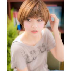 オレンジ イエロー ショート パーマ ヘアスタイルや髪型の写真・画像