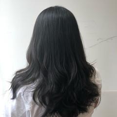 セミロング 無造作パーマ ブルージュ ナチュラル ヘアスタイルや髪型の写真・画像