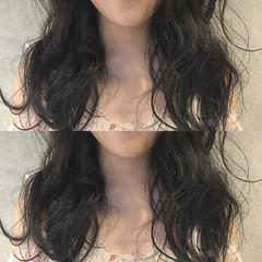 アッシュ セミロング 黒髪 ナチュラル ヘアスタイルや髪型の写真・画像