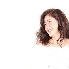 ガーリー ウェーブ セミロング パーマ ヘアスタイルや髪型の写真・画像
