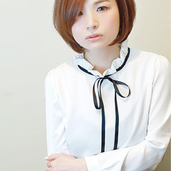 フォーマル ショートボブ フェミニン 艶髪 ヘアスタイルや髪型の写真・画像