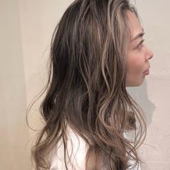 ベリーショート ハイライト インナーカラー バレイヤージュ ヘアスタイルや髪型の写真・画像