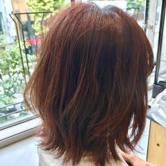 オフィス 愛され フェミニン ミディアム ヘアスタイルや髪型の写真・画像