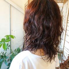 透明感カラー ミディアム ミディアムヘアー コーラルピンク ヘアスタイルや髪型の写真・画像