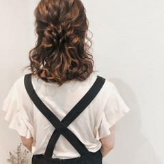 ヘアアレンジ ハーフアップ ねじり フェミニン ヘアスタイルや髪型の写真・画像