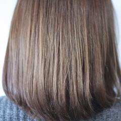 グレー アッシュグレージュ ミディアム シルバーアッシュ ヘアスタイルや髪型の写真・画像