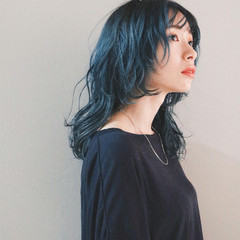 セミロング ウルフカット ブルー ブルージュ ヘアスタイルや髪型の写真・画像