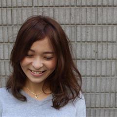 ミディアム グラデーションカラー 外国人風 レイヤーカット ヘアスタイルや髪型の写真・画像