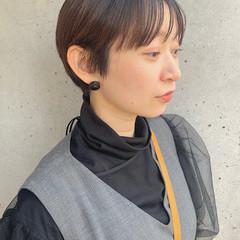 ショートパーマ ミニボブ ナチュラル ショートヘア ヘアスタイルや髪型の写真・画像