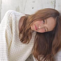 フェミニン 無造作 ゆるふわ セミロング ヘアスタイルや髪型の写真・画像
