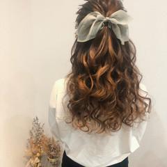 ハーフアップ ヘアセット フェミニン ブライダル ヘアスタイルや髪型の写真・画像