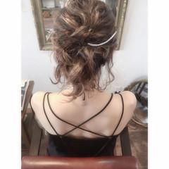 お団子 ヘアアレンジ フェミニン 外国人風カラー ヘアスタイルや髪型の写真・画像