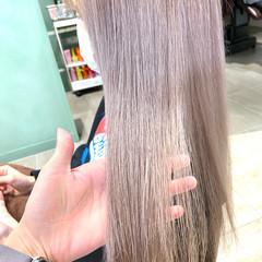 クリームブロンド ブロンドカラー ミディアム ブロンド ヘアスタイルや髪型の写真・画像