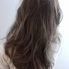 セミロング グラデーションカラー 秋 ストリート ヘアスタイルや髪型の写真・画像