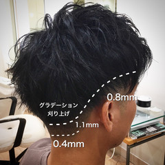 ショート ツーブロック メンズ フェードカット ヘアスタイルや髪型の写真・画像