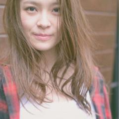ゆるふわ 外国人風カラー ロング ストリート ヘアスタイルや髪型の写真・画像