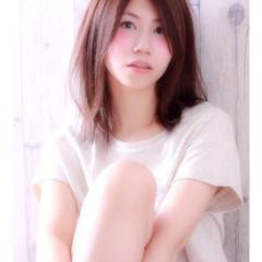 アッシュ 大人かわいい フェミニン 卵型 ヘアスタイルや髪型の写真・画像