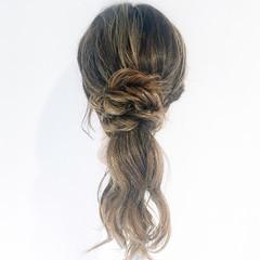 デート フェミニン ルーズ アウトドア ヘアスタイルや髪型の写真・画像