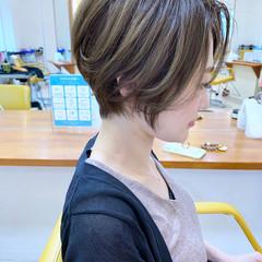 耳掛けショート ショートボブ ショートヘア エレガント ヘアスタイルや髪型の写真・画像