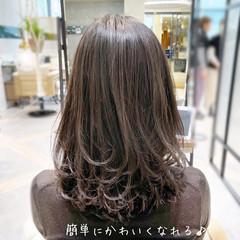 透明感カラー レイヤーカット ミディアムレイヤー ハイライト ヘアスタイルや髪型の写真・画像