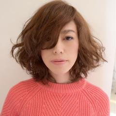ゆるふわ レイヤーカット ミディアム ナチュラル ヘアスタイルや髪型の写真・画像