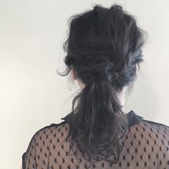 暗髪 グレージュ セミロング ウェーブ ヘアスタイルや髪型の写真・画像
