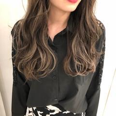 ハイライト デート インナーカラー ロング ヘアスタイルや髪型の写真・画像