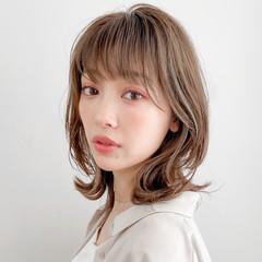ミディアム ミルクティーベージュ 大人女子 デジタルパーマ ヘアスタイルや髪型の写真・画像