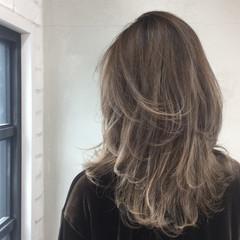 アッシュ ハイライト セミロング ストリート ヘアスタイルや髪型の写真・画像