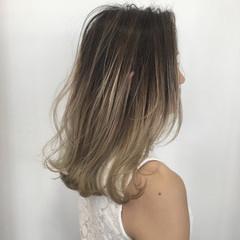 グラデーションカラー ブリーチ ロブ ナチュラル ヘアスタイルや髪型の写真・画像