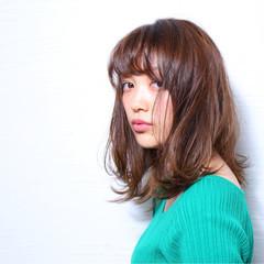 ミディアム セミディ アディクシーカラー 外ハネ ヘアスタイルや髪型の写真・画像