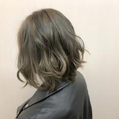 ショート ガーリー グレージュ アッシュグレージュ ヘアスタイルや髪型の写真・画像