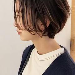 かっこいい ハイライト ショート くせ毛風 ヘアスタイルや髪型の写真・画像