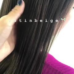 カーキアッシュ ストレート カーキ ナチュラル ヘアスタイルや髪型の写真・画像